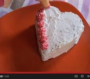 cuori-di-san-valentino-al-cioccolato-con-lamponi-e-panna-10