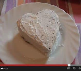 cuori-di-san-valentino-al-cioccolato-con-lamponi-e-panna-9