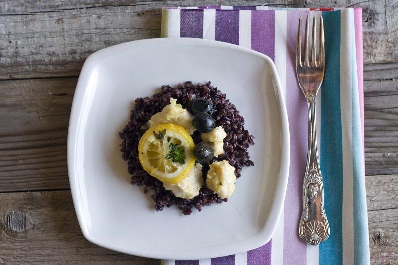Tajine di pollo e olive nere al limone e timo