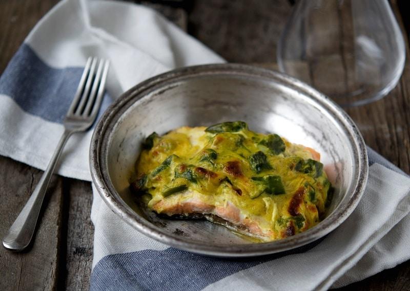 Salmone gratinato allo zafferano