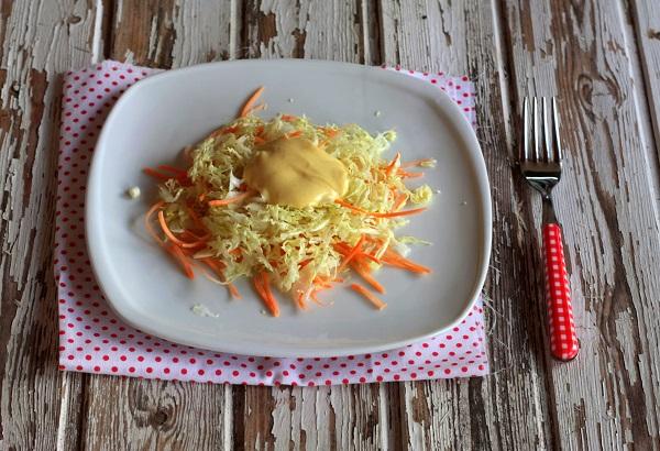 Coleslaw di cavolo e carote