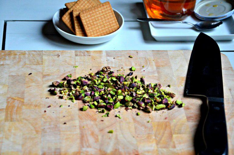 Tritate i pistacchi