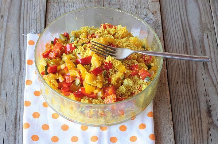 Cous cous di farro speziato con verdure e semi di lino