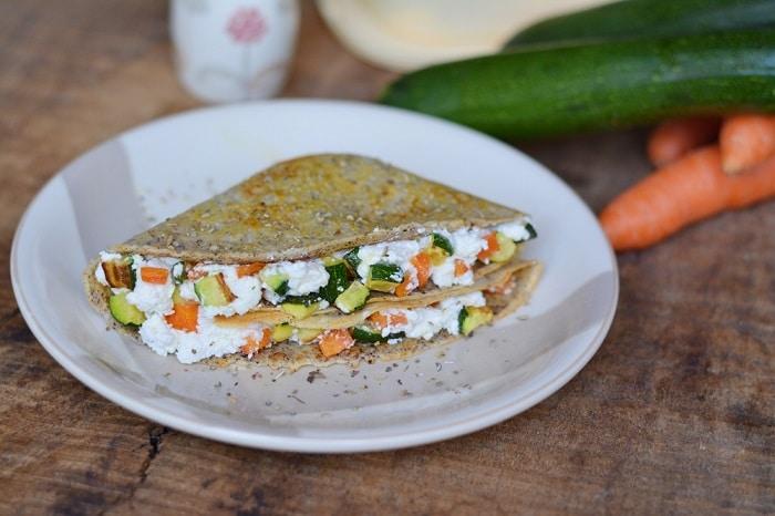 Crepes con zucchine, carote e ricotta
