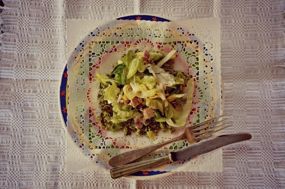 Insalata di tonno su armonia di zucchine