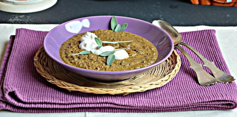 Zuppa di lenticchie, zucca e yogurt