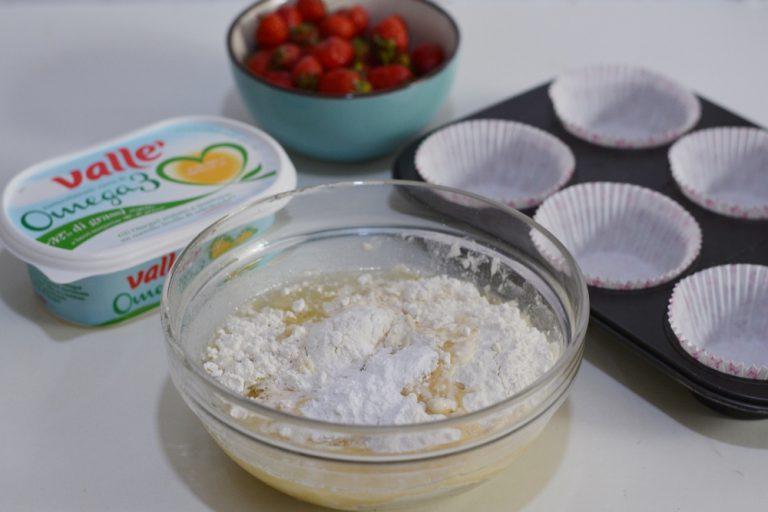 aggiungere le farine, il lievito, Vallé e acqua