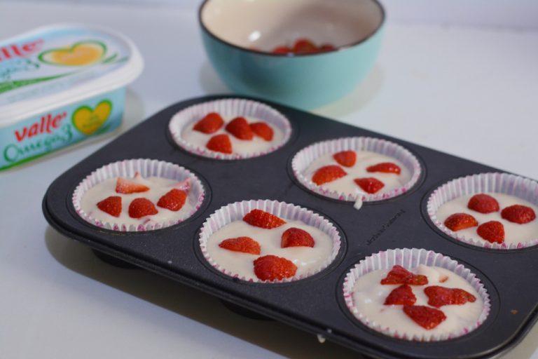 Versare il composto in uno stampo da muffin da 6. Infornare a 180° per circa 15min.