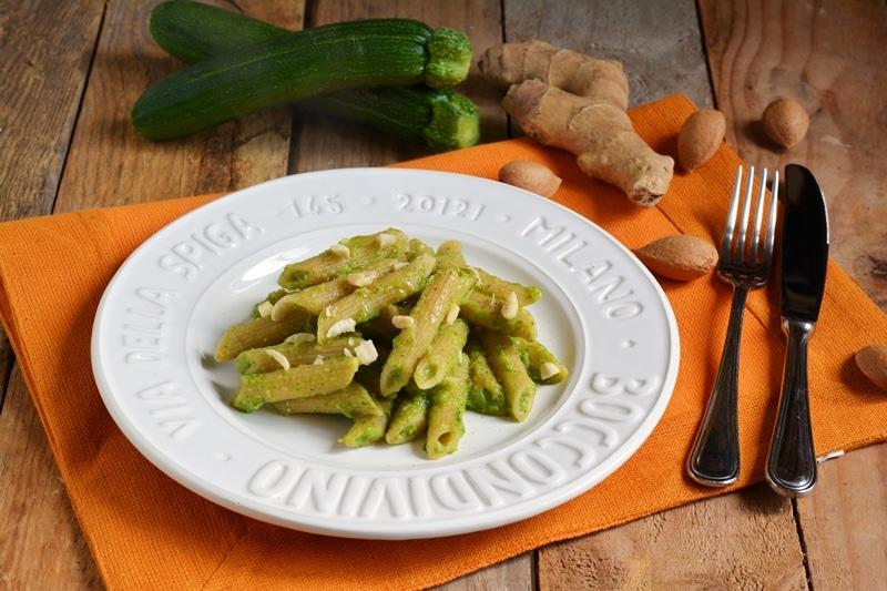Pennette integrali con zucchine e zenzero