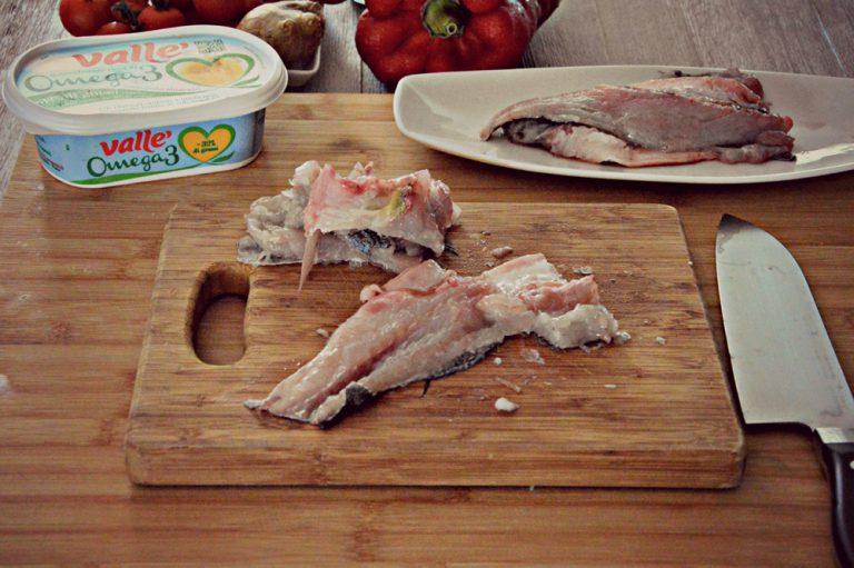 Tagliate i filetti a pezzi grossolani