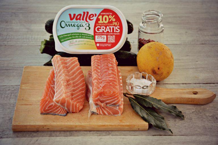 Ingredienti.  Lavate il salmone, asciugatelo con della carta assorbente tamponandolo