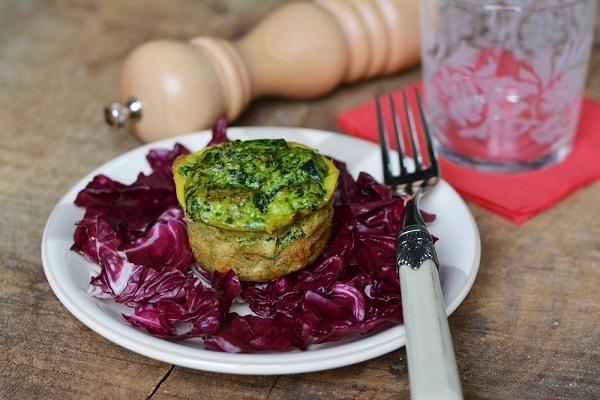 Sformatino di spinaci su insalatina di radicchio