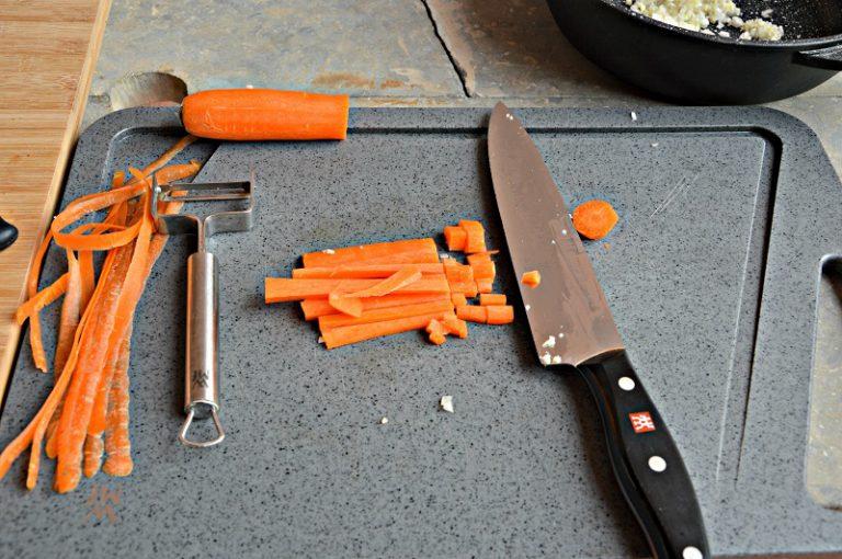 Tagliate a cubetti le carote