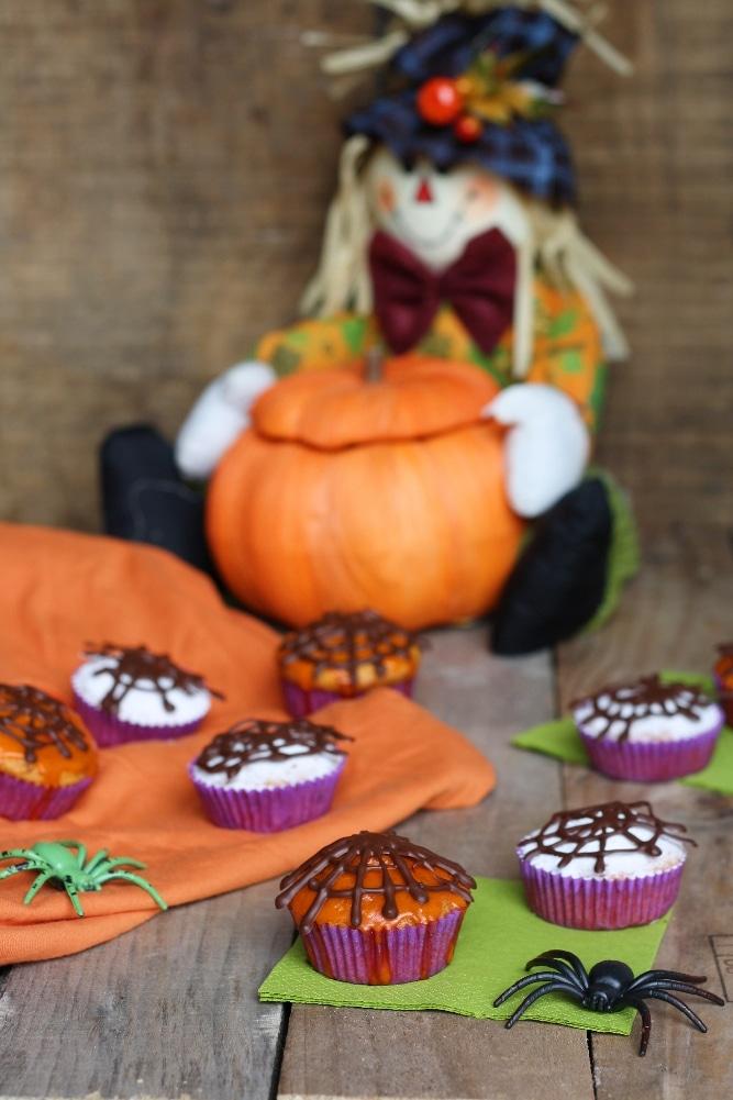 Tortine con zucca e amaretti per Halloween