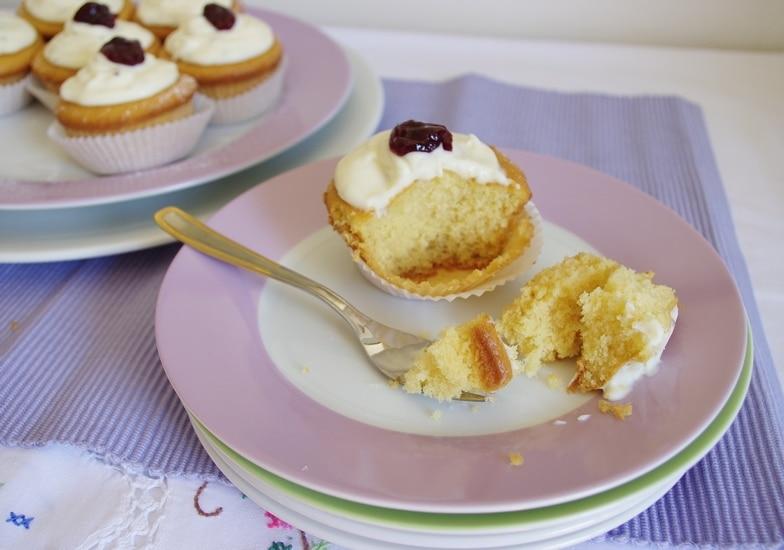 Cupcakes con frosting al cardamomo