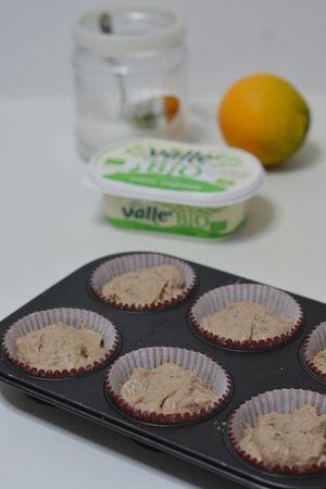 sistemare il composto in 6 stampi da muffin e infornare a 180° per 30min.