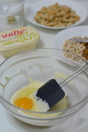aggiungere l'uovo e vallè