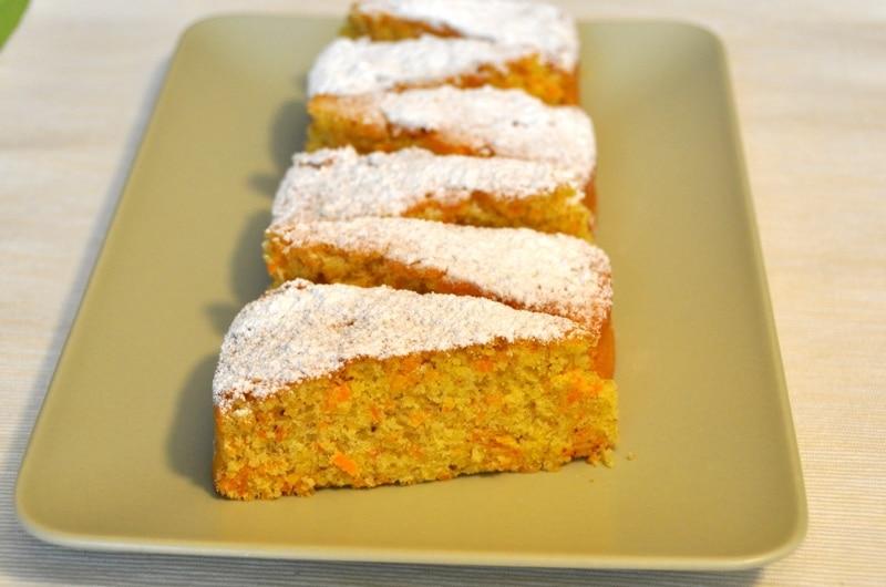 """Torta di carote """"365 dolci all'anno"""""""
