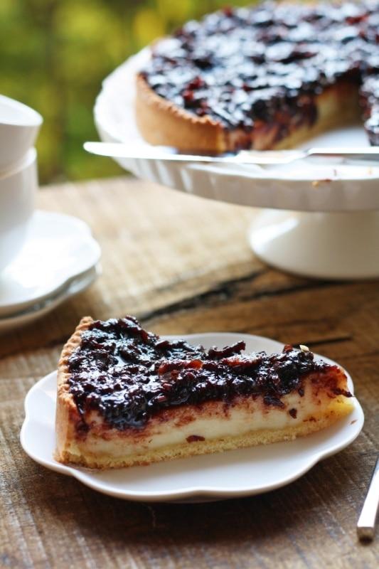 Cheesecake con marmellata di frutti di bosco