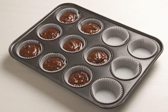 Versa il composto negli stampi, riempiendoli per 2/3 e passa in forno preriscaldato a 200° per 20 minuti. Lasciali raffreddare prima di sformarli.Le Dolci Tradizioni di Vallé ♥