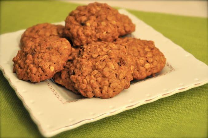 Lasciate raffreddare i biscotti almeno 10 minuti prima di staccarli dalla placca. Si conservano più giorni in una scatola di latta ben chiusaBuon Appetito da Kuri e da Vallé ♥