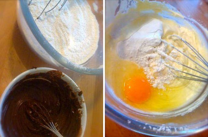 Accendete il forno a 180 gradi; mescolate la farina, la fecola e il lievito e setacciate, poi mescolate tutto con una frusta come se doveste sbattere delle uova (per quanto ridicola, questa operazione serve a arieggiare la farina e a distribuire bene il lievito). Mescolate il cacao e l'acqua calda fino a formare una pasta e mettete da parte. Lavorate la margarina e lo zucchero a velo finché il tutto è soffice e cremoso, poi unite un uovo alla volta accompagnandolo con un cucchiaio di farina  e amalgamate bene mescolando con la frusta.