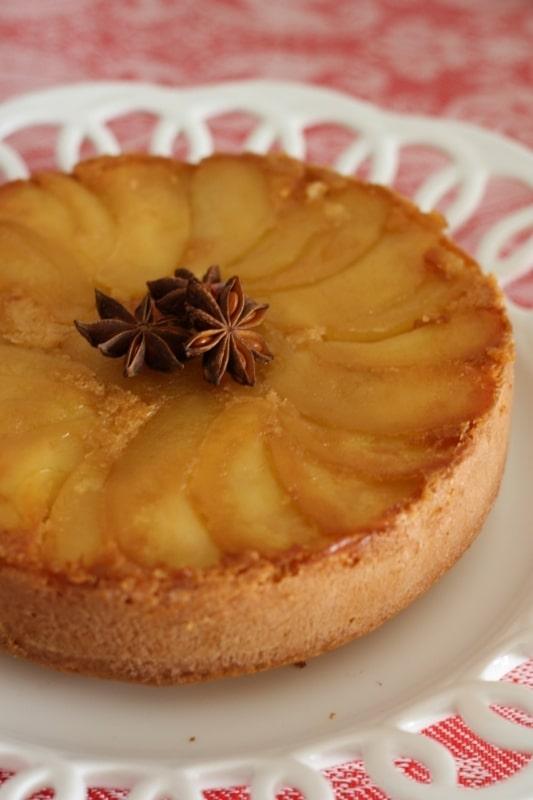 Torta rovesciata alle mele e anice stellato