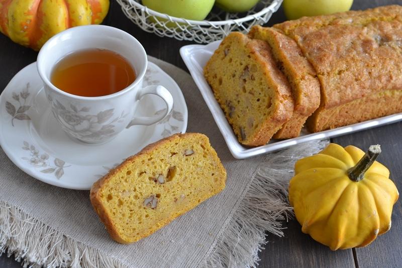 Plumcake di zucca, mela e noci