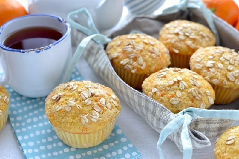 Muffins all'avena, carote e arancia