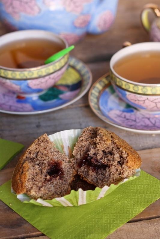 Muffin di grano saraceno con marmellata ai frutti rossi