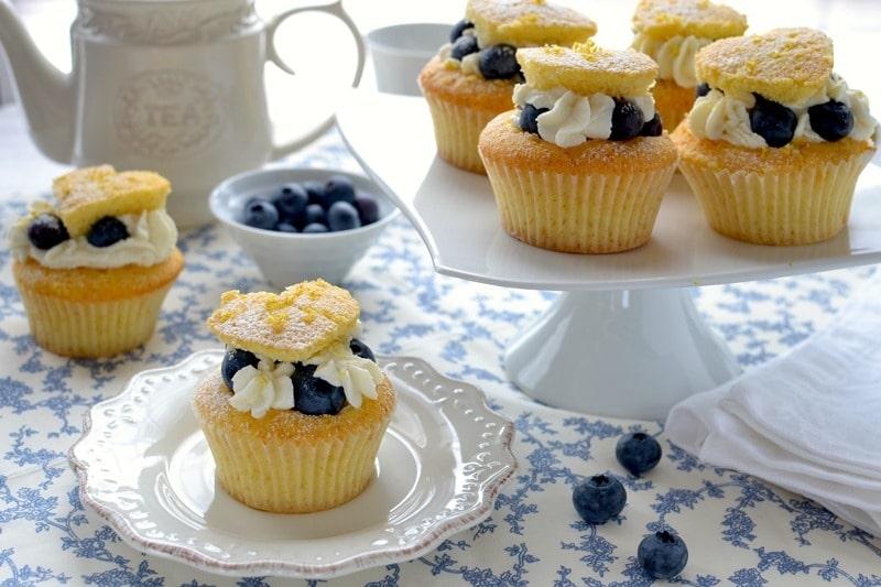 Cupcakes con crema di ricotta e mirtilli