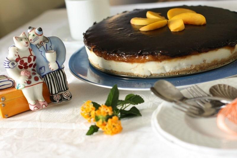 Cheesecake yogurt, pesche e cioccolato