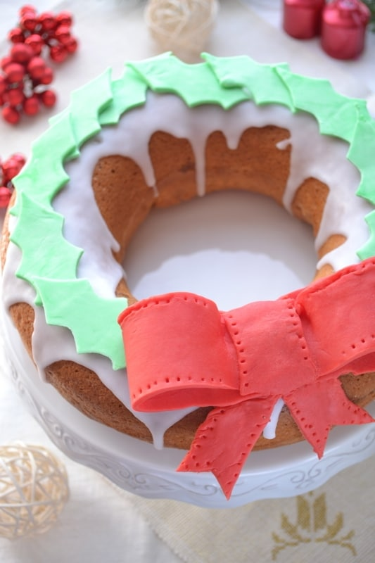 Ciambella con ghirlanda di Natale
