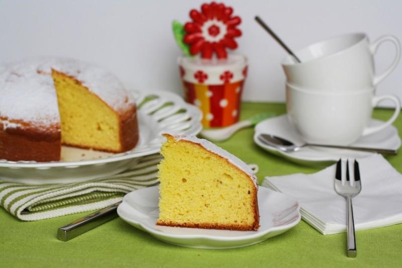 Torta con ricotta e zafferano, una squisita torta soffice
