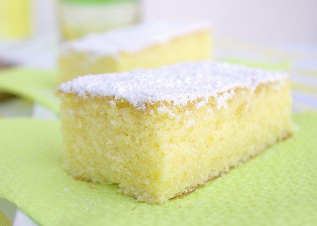 Torta soffice al limone: sfornare, raffreddare e servire
