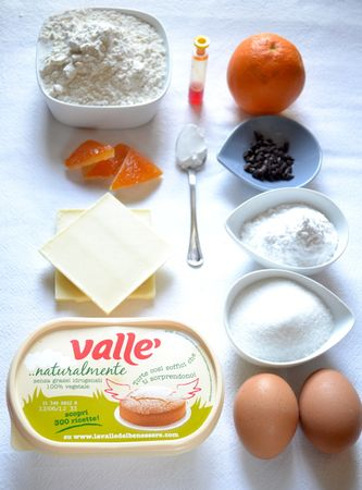 Gli ingredienti. Accendete il forno a 200 gradi