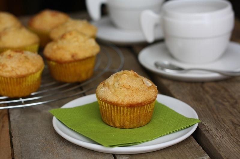 Muffin mandorlati al farro