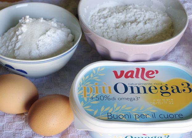 Gli ingredienti. Accendete il forno a 180 gradi. Mescolare farine, lievito e sale in una ciotola e setacciare