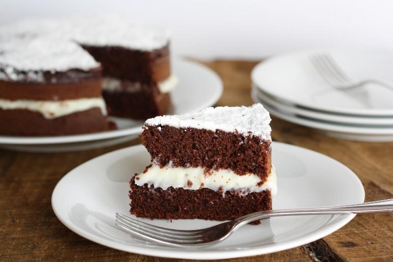 """Torta """"noir"""" con crema al latte"""