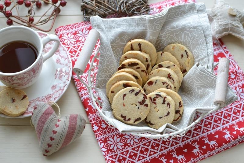 Biscotti nocciole e mirtilli rossi