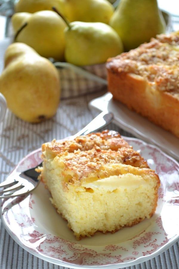 Torta pere, nocciole e kefir