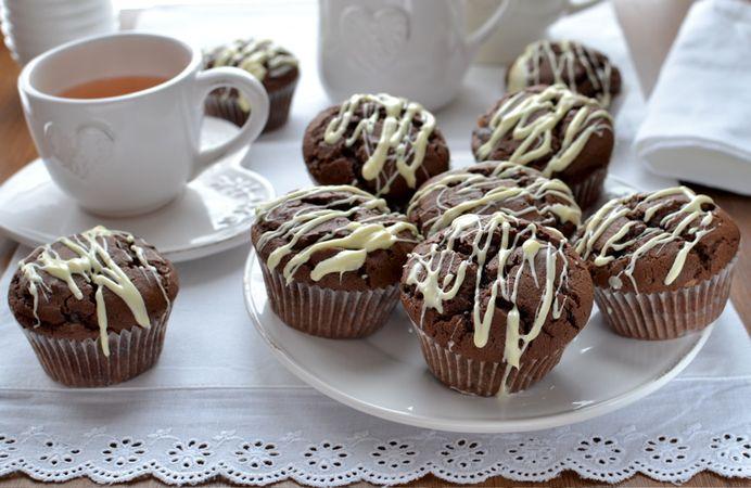 Lasciate seccare il cioccolato e servite