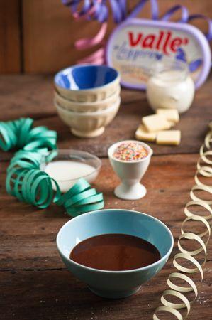 Fate sciogliere a bagnomaria il cioccolato con la margarina