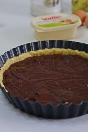 Versare il composto al cioccolato nello stampo e infornare per 50min. a 180°