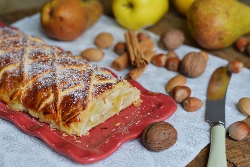 Strudel di mele, pere e frutta secca
