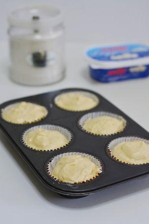 ricoprire i muffin con un altro cucchiaio di composto e infornare a 180° per 20/25min.