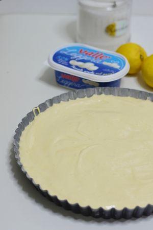 versare il composto in uno stampo da crostata e infornare per circa 180° a 20/25min.