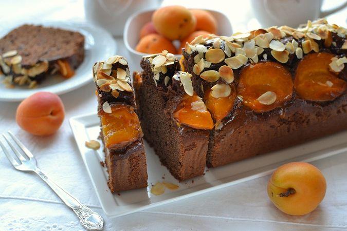 Servite. Se non consumate la torta in giornata conservate il frigo
