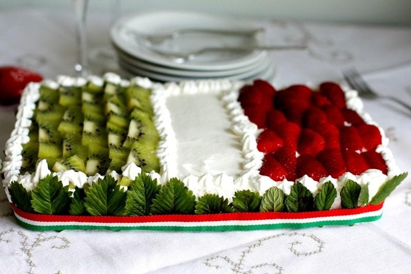 Torta bandiera, torta fragole panna e kiwi
