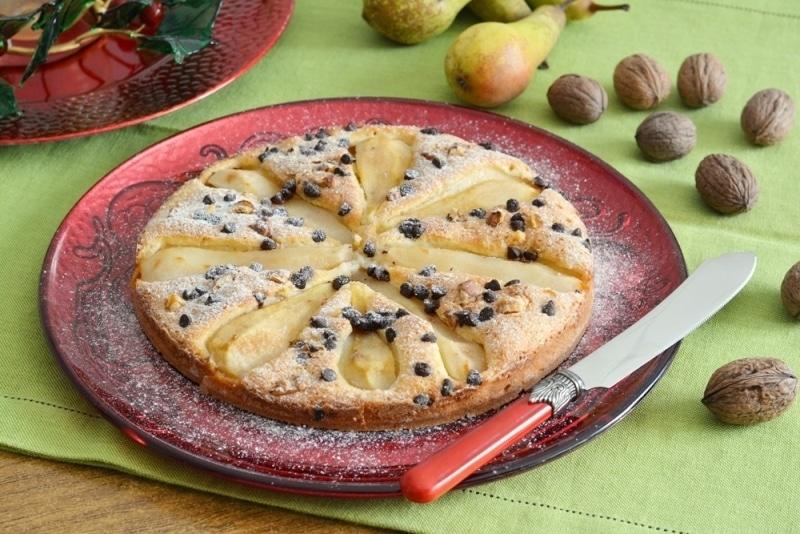 Focaccia dolce con pere, noci e cioccolato